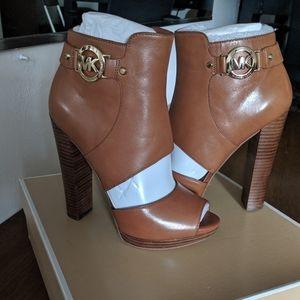 Brand New Michael Kors heels size 7 M